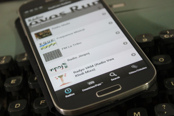 Une application mobile gratuite pour écouter les radios associatives et communautaires du monde entier !