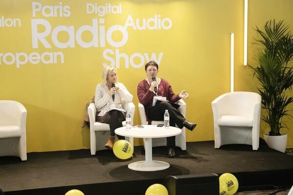Mélanie Charpentier, Déléguée Nationale au FSER et au financement des radios et Michelle Lestelle, Vice-Présidente du syndicat au salon de la radio en janvier 2020
