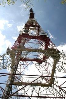 Taxe sur les stations radioélectriques - Mobilisation des radios contre la nouvelle taxe.
