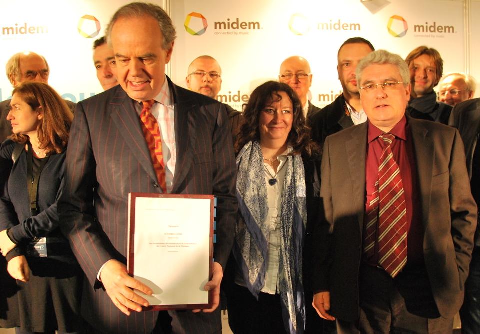 Frédéric Mitterrand et Emmanuel Boutterin, une reconnaissance du travail des diffuseurs radiophoniques