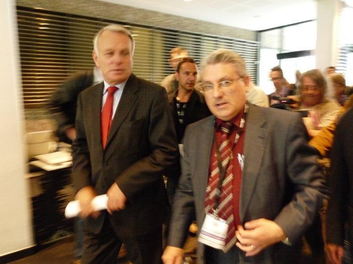 Emmanuel Boutterin, président du SNRL,   et Jean-Marc Ayrault, député-maire de Nantes, président du groupe socialiste à l'Assemblée Nationale
