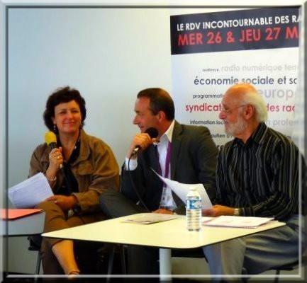 Michelle Lestelle, avec Ludovic Tellier et Jacques Berbérides, Président de ID-FM à Paris